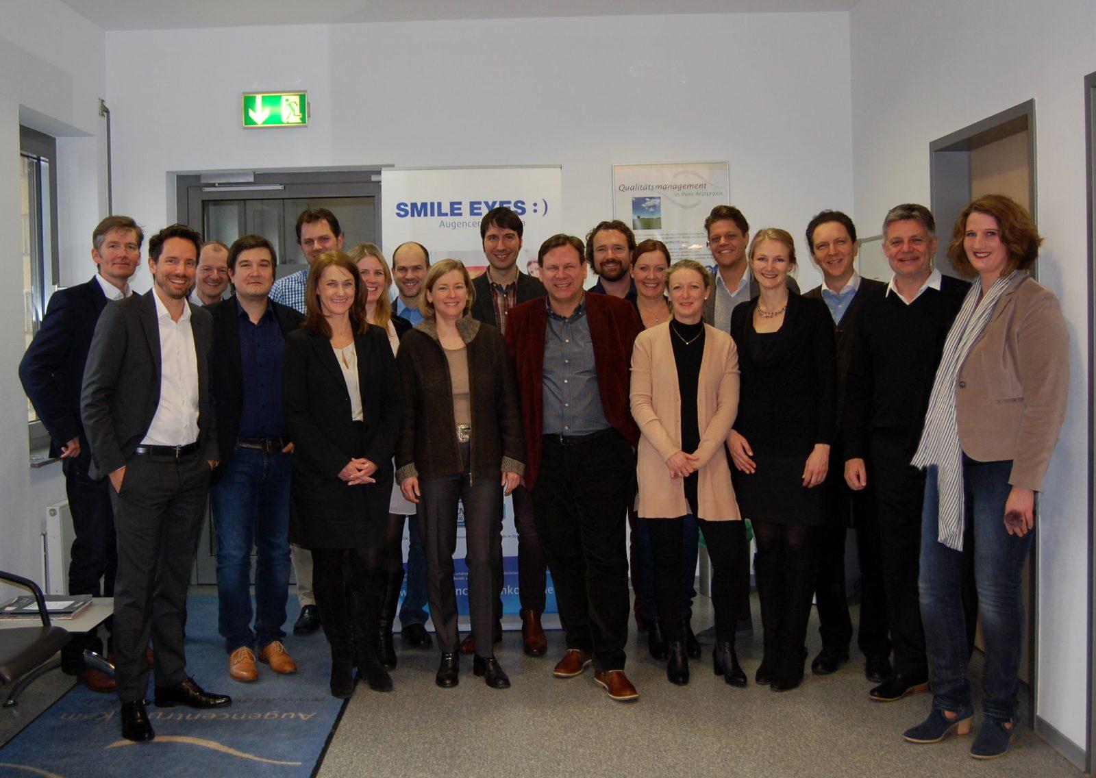 Die Smile Eyes Ärzte und Marketing Verantwortlichen beim jährlichen Marketing Meeting in Köln