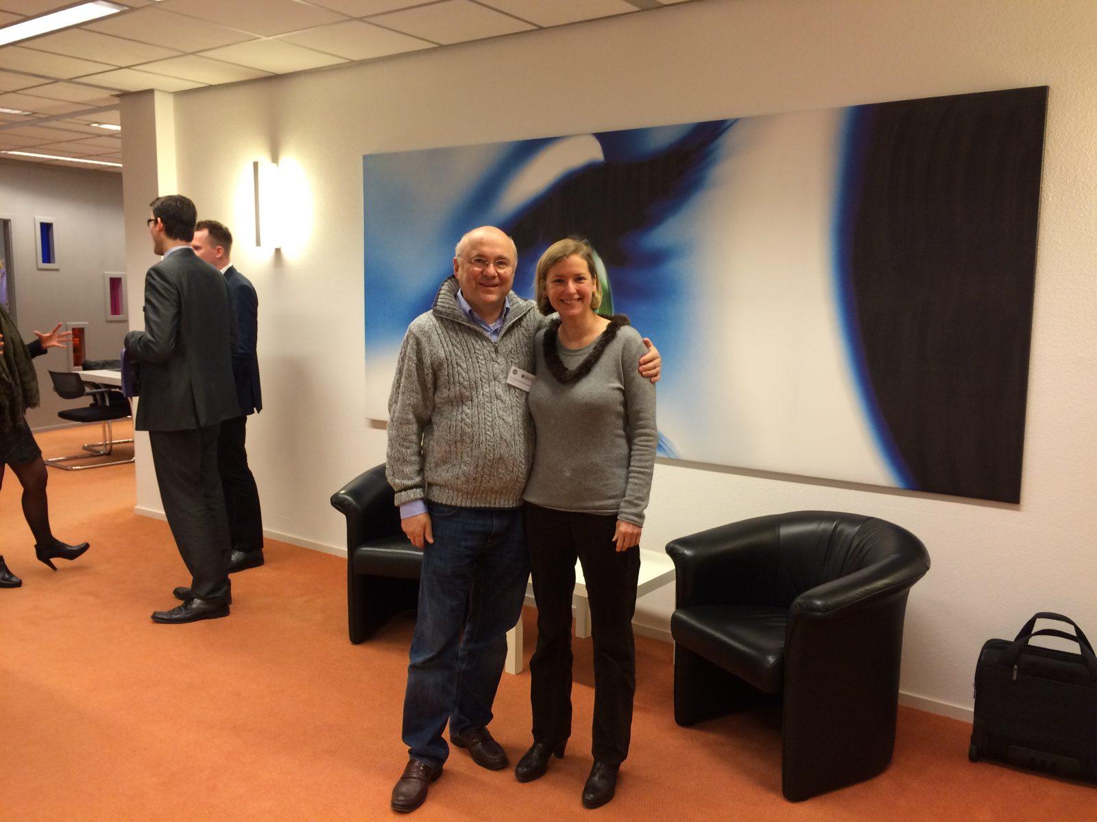 Frau Dr. Bhakdi-Gerl zusammen mit Dr. Rolf Meyer-Schwickerath beim Internationalen Vitreolyse Kongress