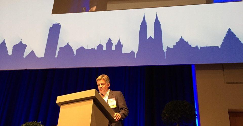 Dr. Rainer Wiltfang von Smile Eyes München beim Fachkongress DOC in Leipzig