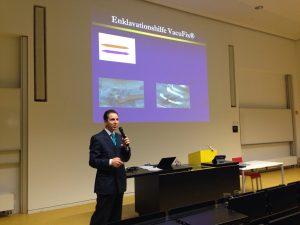 Professor Sekundo gibt auf dem Frankfurter Fortbildungskurs ein Update zur phaken Vorderkammerlinse