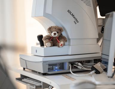 Der Aids Teddy in der Smile Eyes München Klinik