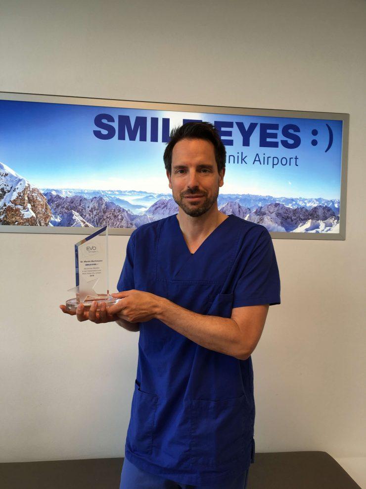Dr. Bechmann mit dem Staar Surgical Award