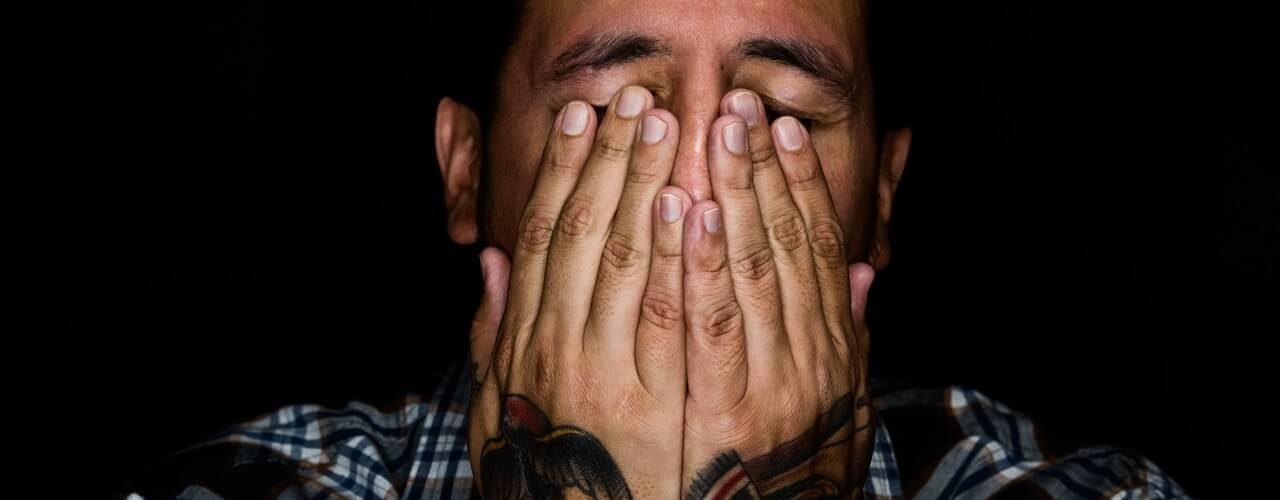 Stress kann Sehstörungen verursachen