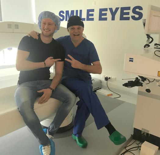 Glücklicher Alex mit Dr. Wiltfang