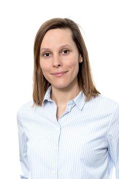 Assistenzärztin bei Smile Eyes München: Dr. med. Réka Bárdos
