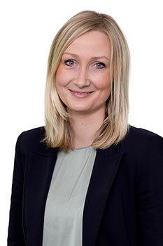Rechtsanwältin Catharina Thenert ist für Smile Eyes tätig