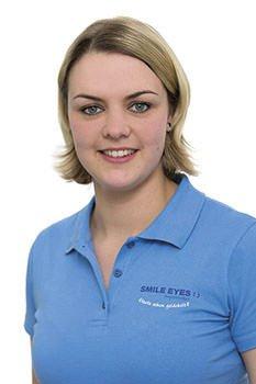 Augenoptik Optometristin bei Smile Eyes Rostock: Tina Berger