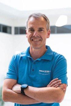 Karsten Pfeiffer, Refraktivmanager